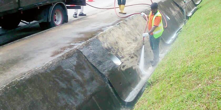 open-drain-cleaning-flushing-lian-shing